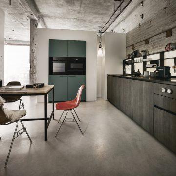 Einbauküche Next125 grifflos, Fronten in Eiche gebeizt, Kochfeldabzug Bora Professional