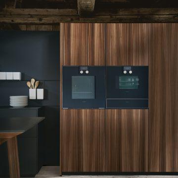 Designküche Next125 Hochschränke mit integrierten Einbaugeräten